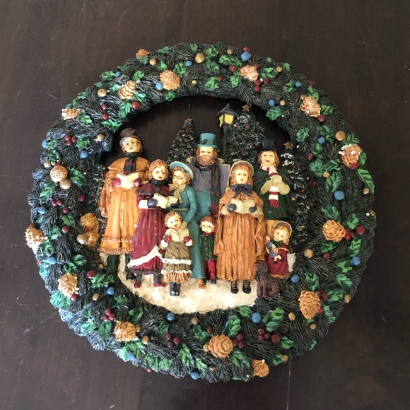None Other - Resin Christmas Carolers Wreath in Original Box
